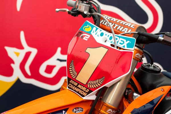 HERLINGS ROUNDS OFF 2018 WITH IMOLA WIN AS PRADO LIFTS MX2 TITLE