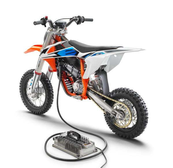 KTM REVEALS NEWLY-DEVELOPED KTM SX-E 5 ELECTRIC-MINICYCLE AT EICMA