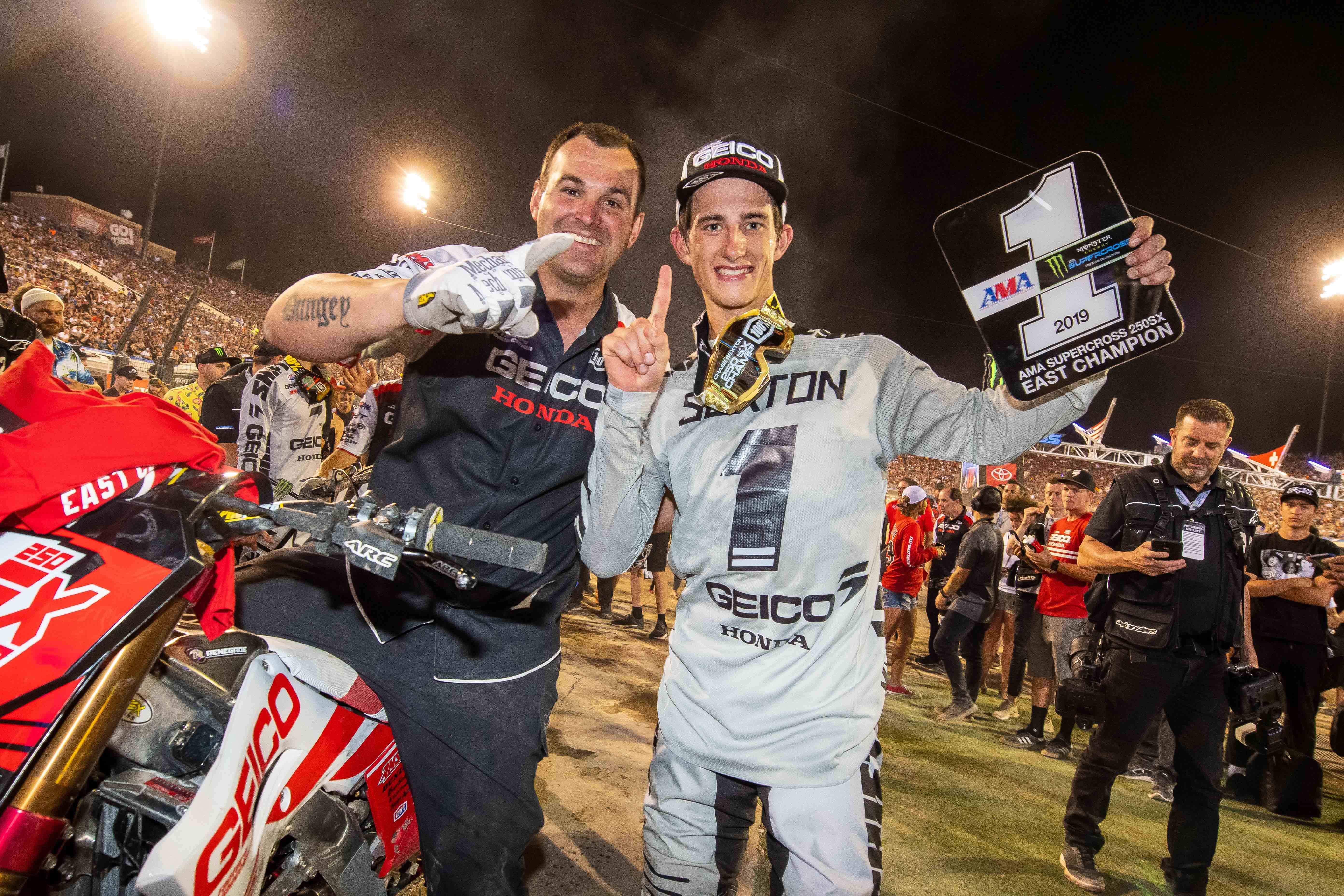 WISECO RIDER CHASE SEXTON CLINCHES MONSTER ENERGY SUPERCROSS EASTERN REGIONAL 250SX CLASS TITLE