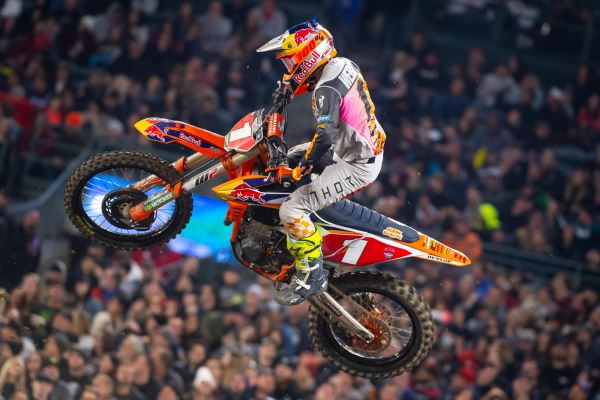 WEBB BATTLES THROUGH SICKNESS TO FINISH ON THE PODIUM AT ANAHEIM SX OPENER